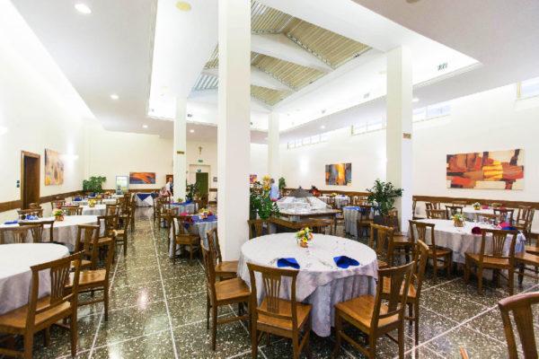 13501286-jpg-restaurant--v13501286-1024-d46c1d20b-w1024-h682-q75